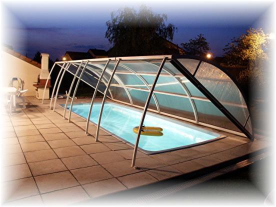 Abri piscine amovible comment bien choisir abri for Abri piscine relevable